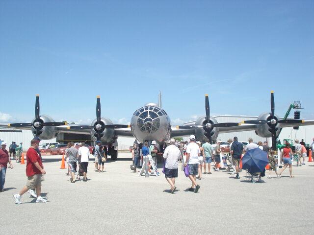 File:Air show fifi 032.jpg