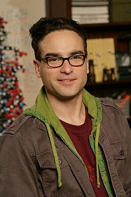 Leonard with his nerd glasses