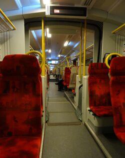 Pociąg SKM S2 (wnętrze).JPG