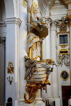Ambona kościół Wizytek.JPG