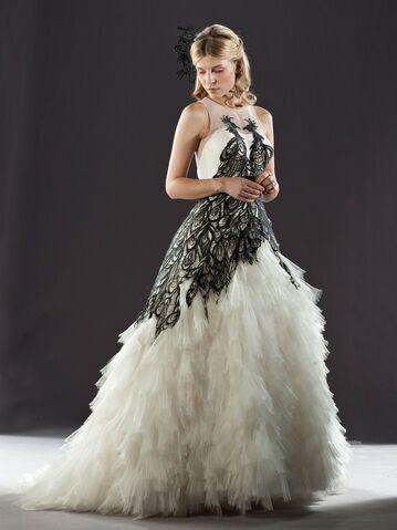 File:Fleur-Wedding-Dress-harry-potter-18917876-800-1067.jpeg