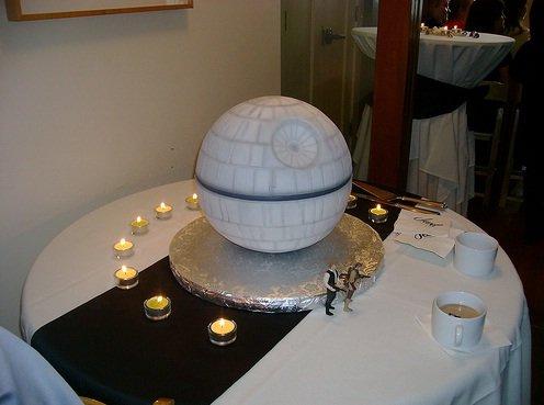 File:Star wars cake decorating.jpeg