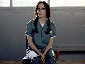 Weeds-Mary-Parker 320