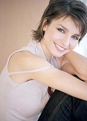 File:Olga Sosnovska Joins Human Target Season 2 Episode 9.jpeg