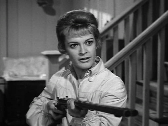 File:Rawhide - A Woman's Place - Image 2.png