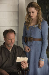 Peter and dolores look at pic