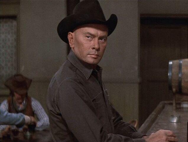 File:Gunslinger Westworld bar.jpg