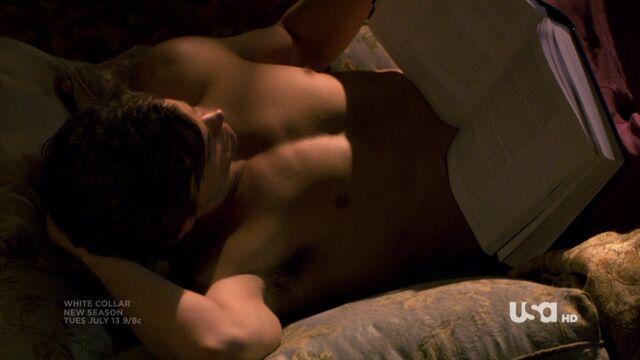 File:WC1x01-Nealshirtless.jpg