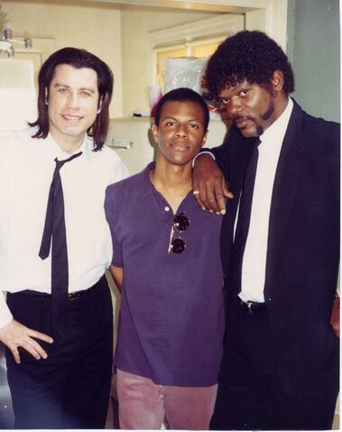 File:Whose Line?- Phil LaMarr on the set of Pulp Fiction.jpg