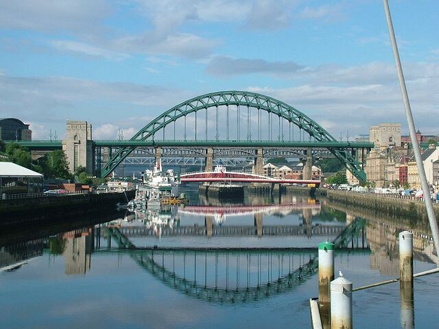 Plik:Tyne Bridge - Newcastle Upon Tyne - England - 2004-08-14.jpg