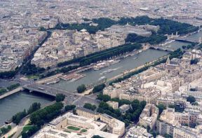 File:Seine-paris.jpg
