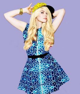 Julia blonde
