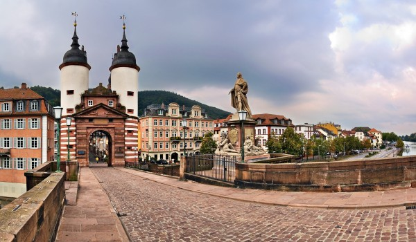 File:Molnica Bridge.jpg