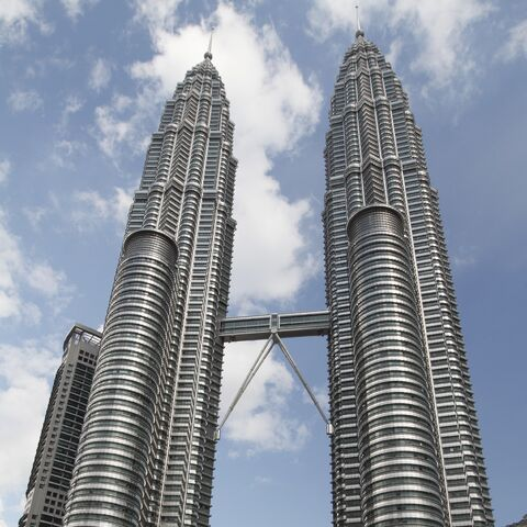 <b>Petronas Towers</b>, the 452-meter tall skyscraper accidentally destroyed by CenturyBarubaroi twice.