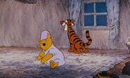 Winnie-the-pooh-disneyscreencaps.com-3908