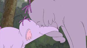 Winnie the Pooh - Lumpy and Mama Heffalump