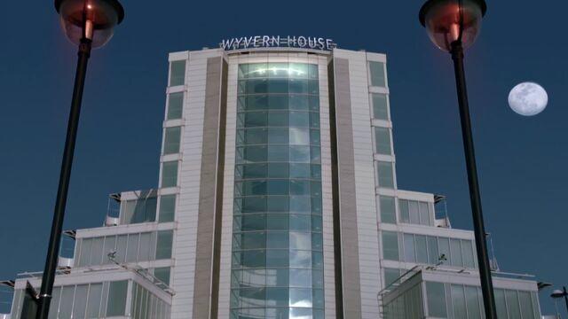 File:Wyvern House.jpg