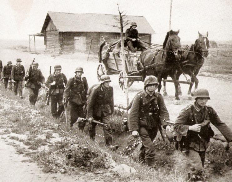 Datei:Eastern Front.jpg