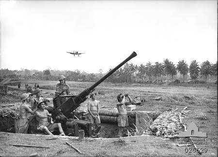 File:Milne Bay AA Battery, 1942.jpg