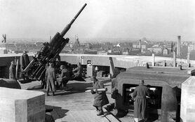 FlaK 38 (10.5cm)