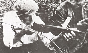 French-resistance-fighter-with-Sten-px800