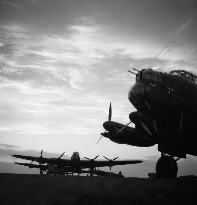 Datei:Avro Lancaster.jpg
