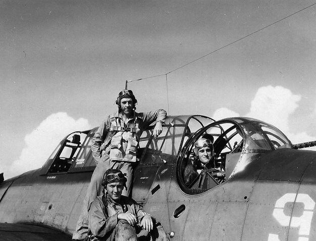 File:TBF Avenger Crew, 1945.jpg