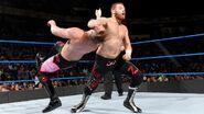 Sami striked Mike-Kanellis