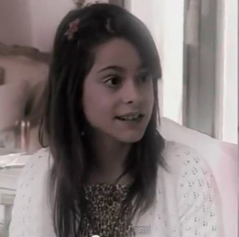 File:Martina-Stoessel-young.jpg