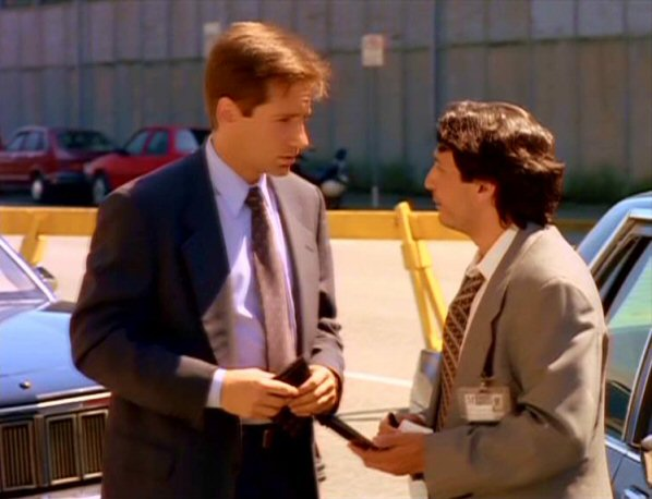 File:Fox Mulder and Detective Norman.jpg