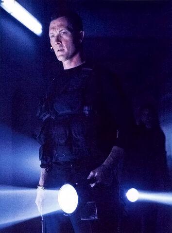 File:John Doggett Flashlight.jpg