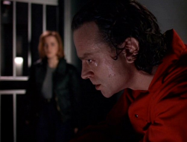 File:Luther Lee Boggs is watched by Dana Scully.jpg