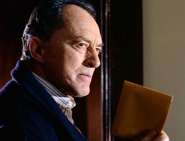 File:William Mulder with envelope.jpg