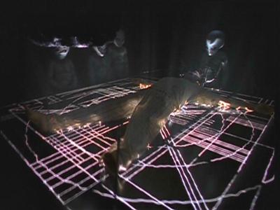 File:Alien Glass Examination Table Duane.jpg