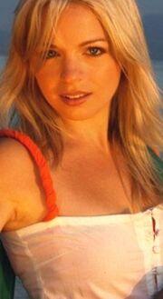 Molly Carpenter blond
