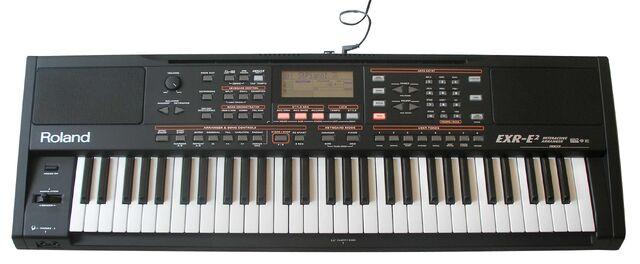File:Roland EXR2 caly b.jpg