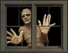File:Halloween-decorations-2.jpeg