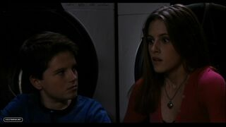 DVD-Screen-Captures-Zathura-kristen-stewart-23985501-898-506