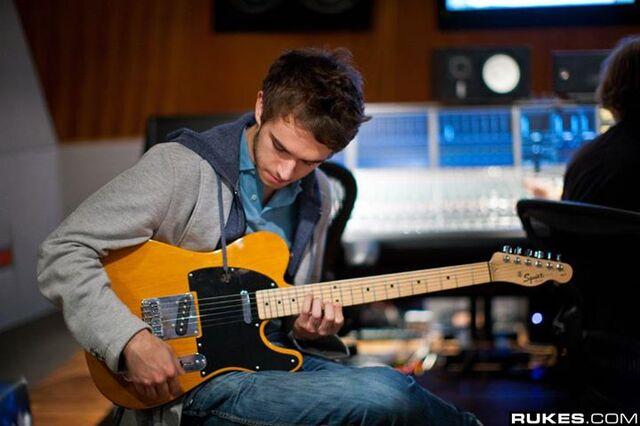 File:Zedd at Interscope Studio (11).jpg