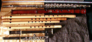 320px-Shinobue and other flutes