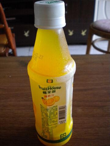 檔案:黑松 纖果園 柳橙汁3.JPG